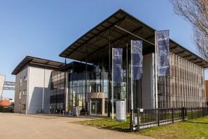 Voorgevel van het hoofdkantoor van Blinck in Almere.
