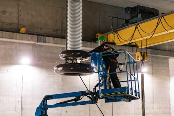 Bij industriële reiniging werken we ook op hoogte.